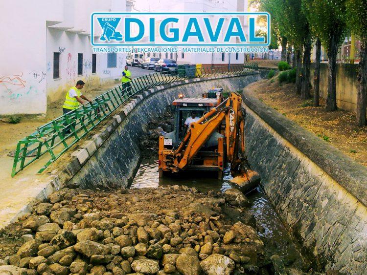 Saneamiento, reforma y limpieza de cauces fluviales.