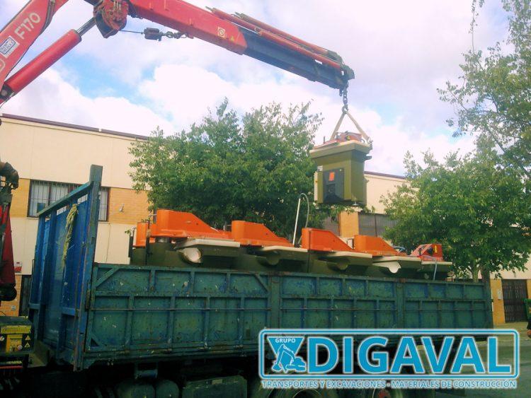 Transporte y traslado de maquinaria industrial.